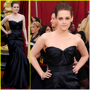 kristen-stewart-oscars-2010-red-carpet