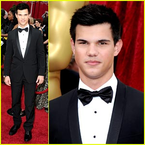 taylor-lautner-dg-dashing