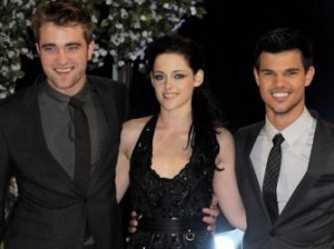 breaking-dawn-uk-premiere rob kristen taylor trio