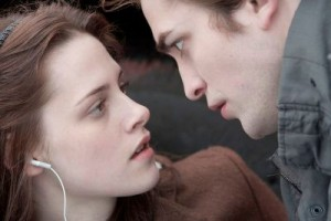 twilight-bella-edward-stare