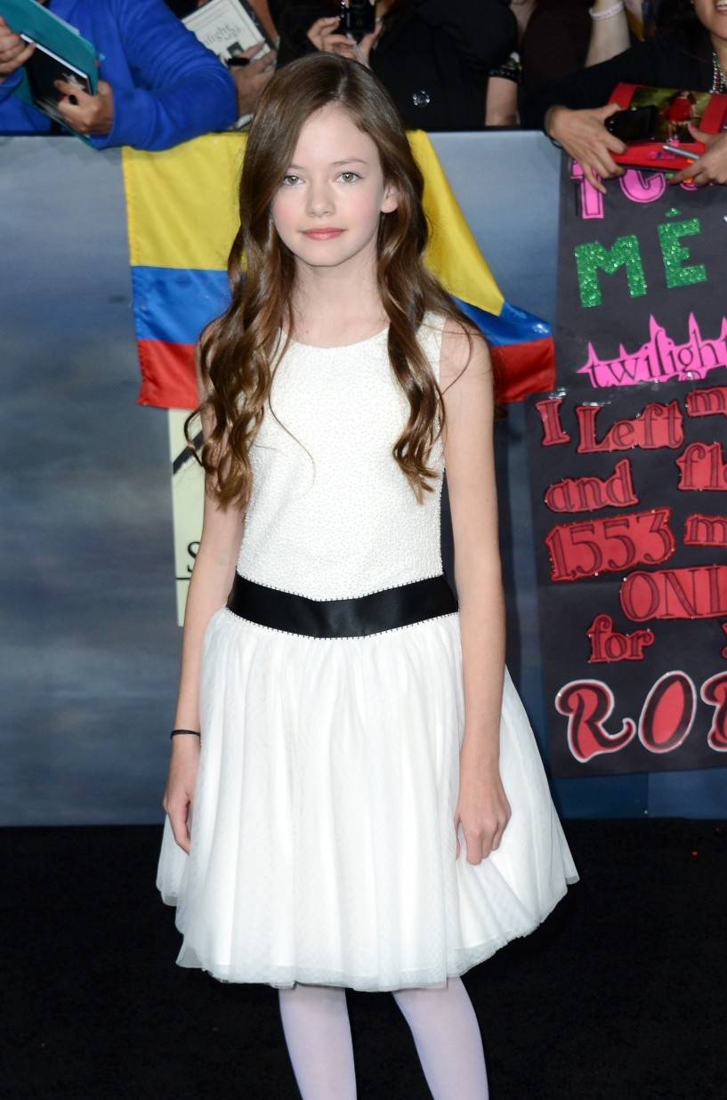 Breaking Dawn Part 2 Premiere Images New Cast Members
