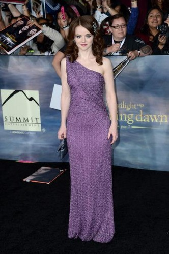 Breaking Dawn Part 2 Premiere Images – New Cast Members Beautiful Love Pictures For Facebook Timeline